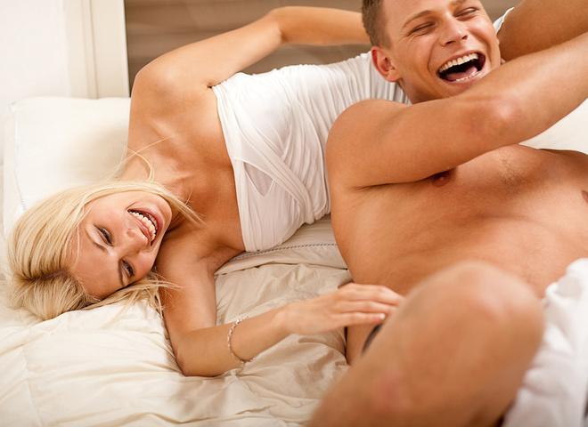 Реальные блондиночка испытывает анальный восторг во время секса белые прозрачные трусики