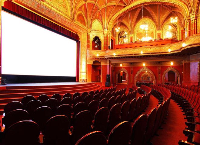 ТОП-20 найкрасивіших і романтичних кінотеатрів у світі