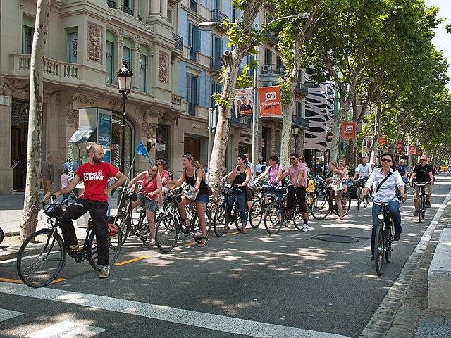 Де рай для велосипедистів: Барселона