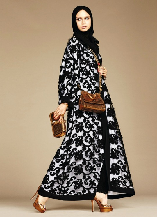 Dolce & Gabbana выпустили коллекцию хиджабов