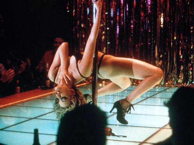 Стриптиз в кино: топ-5 откровенных сцен