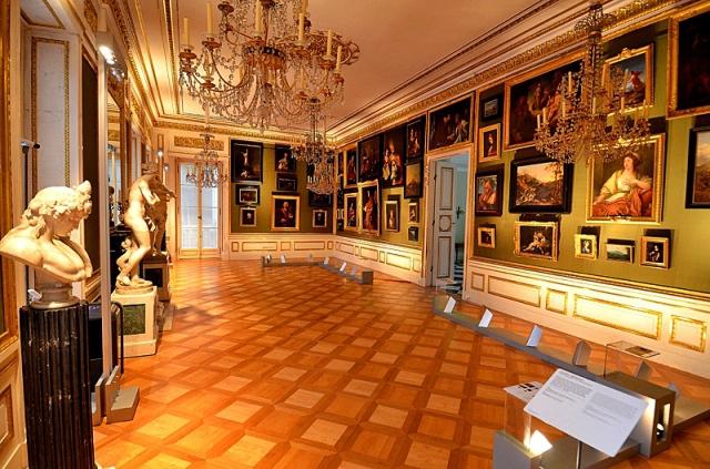 Музеи Варшавы: Дворец на воде