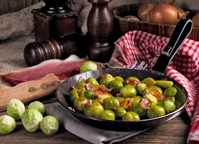 Брюссельская капуста: рецепт с беконом