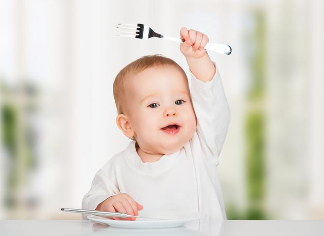 Чего не стоит говорить во время приема пищи детей
