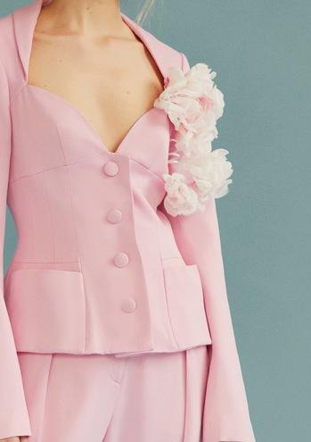 Вещи с харизмой: женственность и театральность в новой коллекции Marianna Senchina Spring Summer 2019