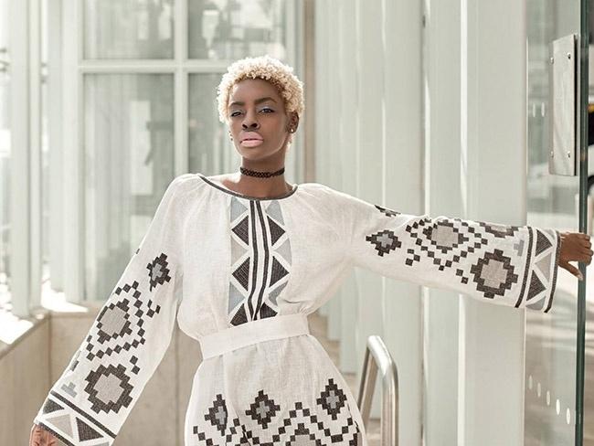 Темношкірі моделі в рекламі українських вишиванок