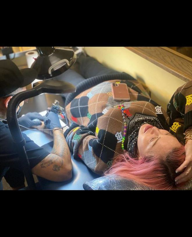 Мадонна набила тату