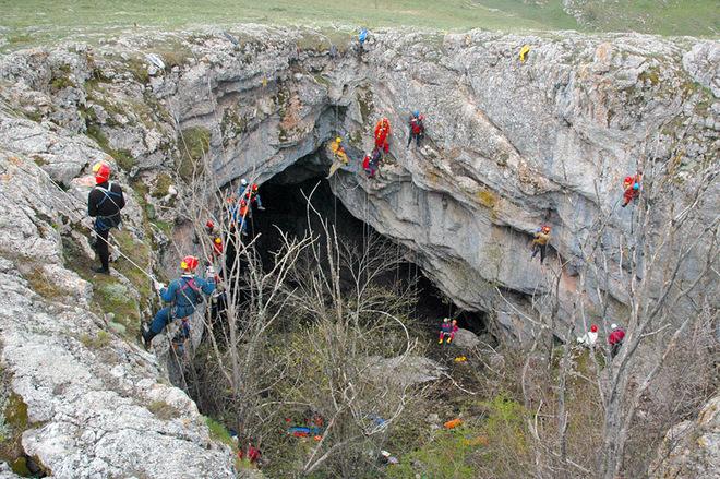 Де навчитися альпінізму в Україні