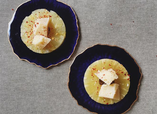 Закуска грана падано з ананасами