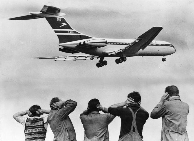 Как вести себя в самолете: советы для тех, кто боится летать