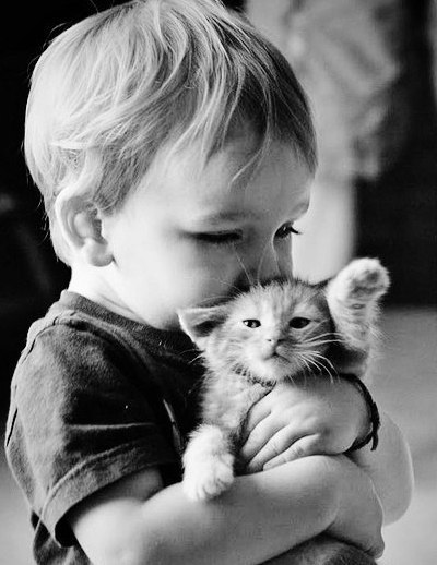 Черно-белые снимки с малышами