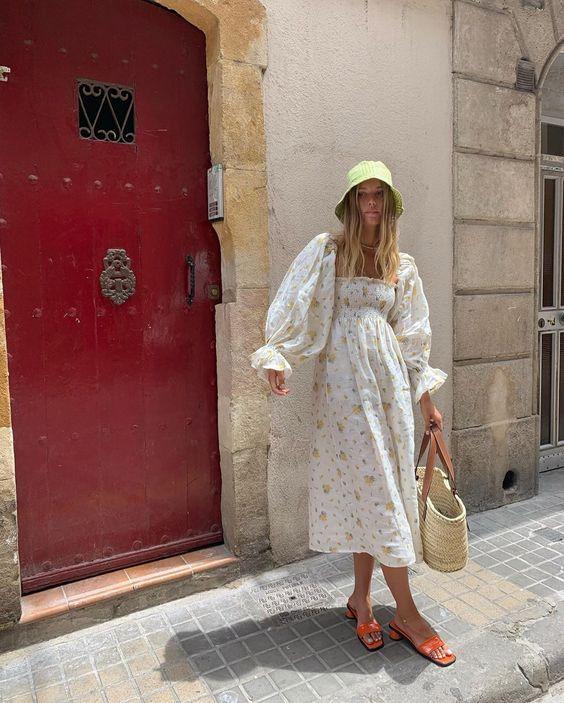 Стильные легкие платья на лето