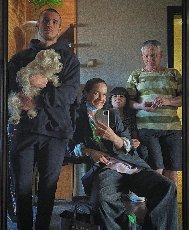 Даша Астаф'єва з родиною