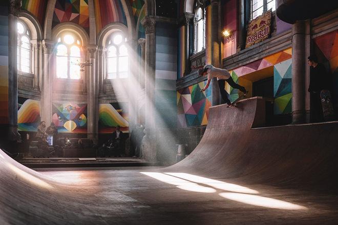 100-летнюю церковь в Испании превратили в скейт-парк