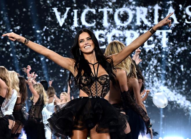 Нестандартные модели создали свой аналог модного шоу Victoria's Secret