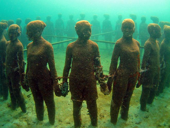 Подводные скульптуры на острове Гренада