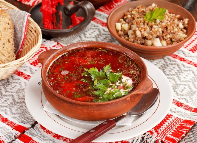 Каждый регион Украины славится своим колоритным рецептом приготовления борща