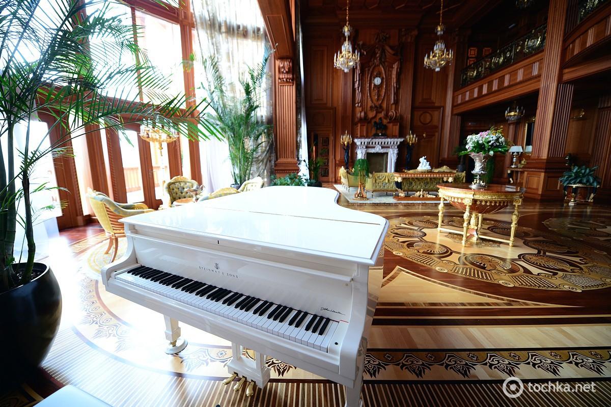 рояль в доме картинки