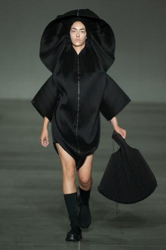 Показ DZHUS на Ukrainian Fashion Week noseason sept 2021
