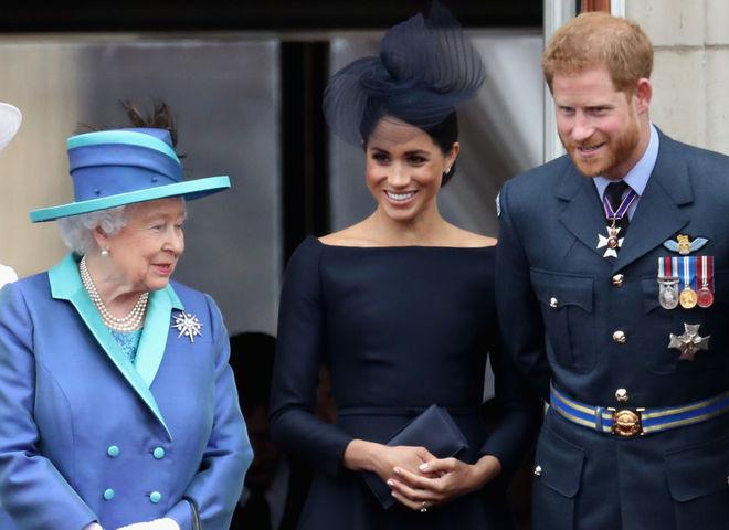 Королева Елизавета II собрала семейный совет из-за принца Гарри и Меган Маркл