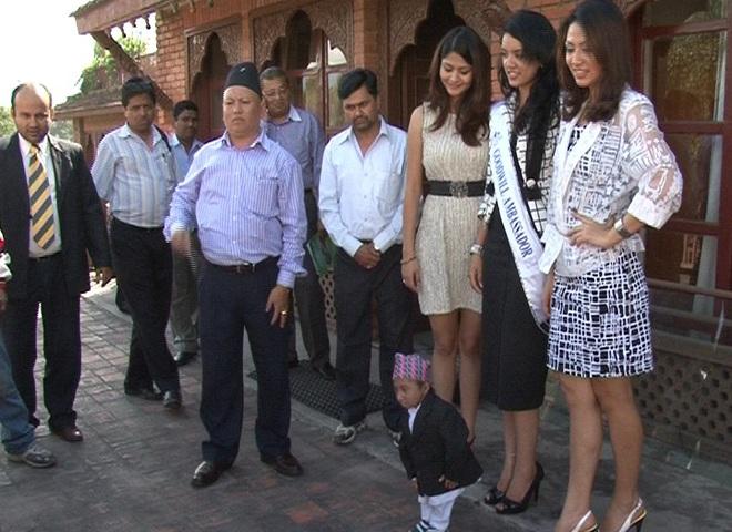 Хагендра Тапа самый маленький человек