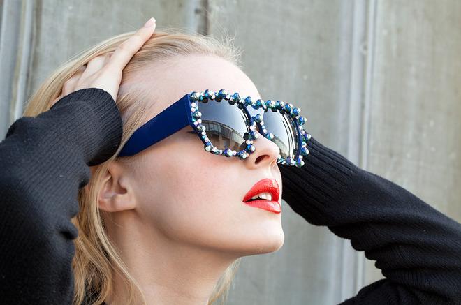 Макіяж і сонцезахисні окуляри: поради від Боббі Браун