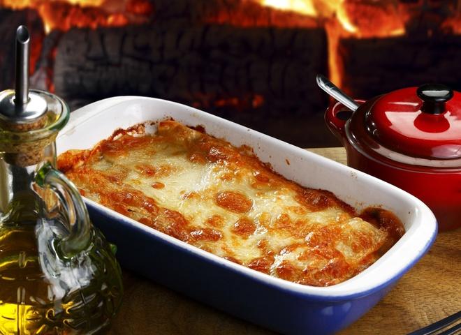 Приготовь лазанью с двумя соусами