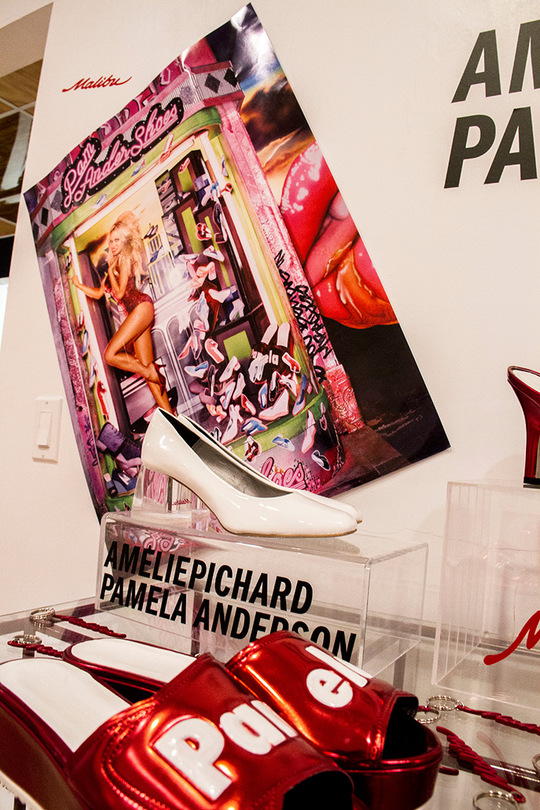 Памела Андерсон розробила колекцію взуття
