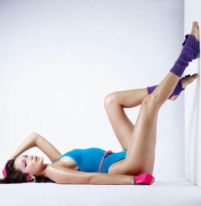 Сстройная и сексуальная Белла Хадид в спортивной съемке