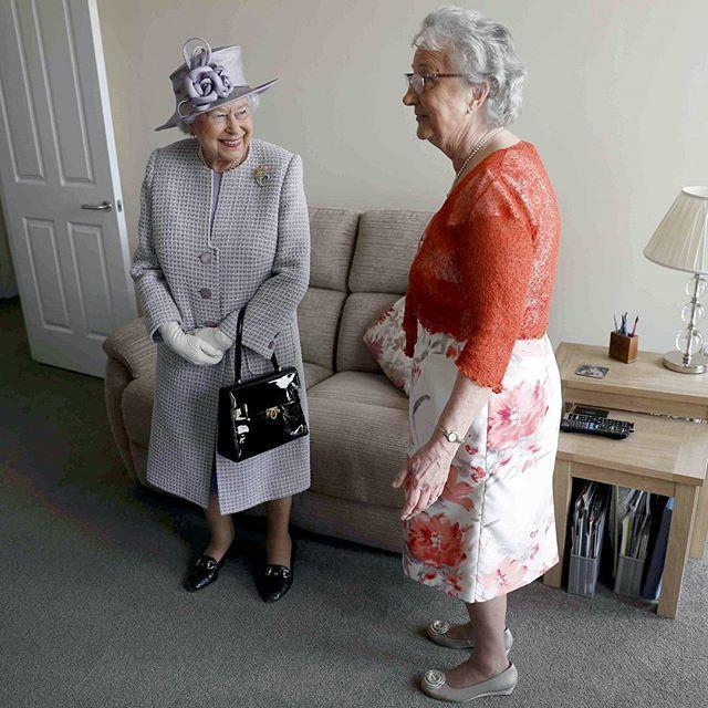 Елизавета II - туфли королевы