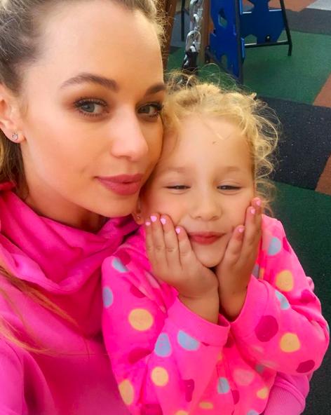 Яна Соломко з дочкою Кірою
