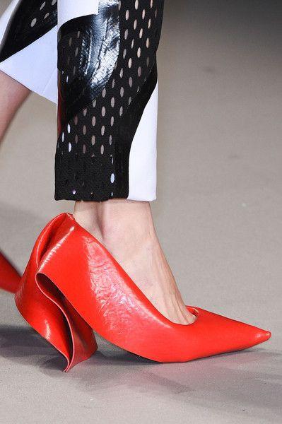 15 пар взуття, яке ти б не взула навіть за гроші