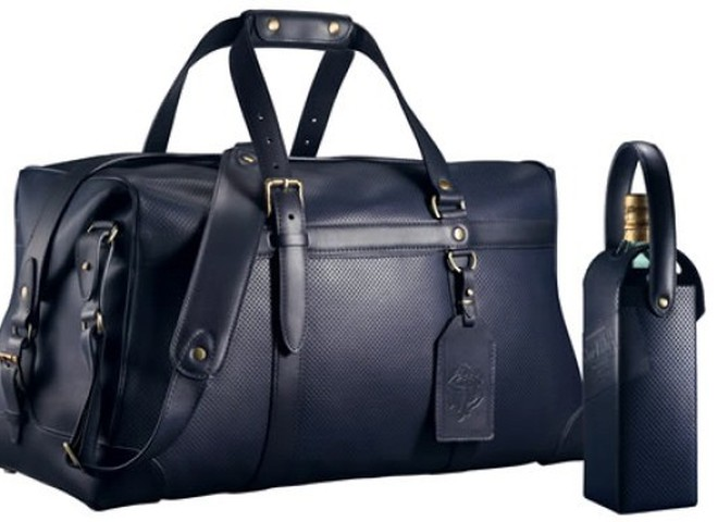 Johnnie Walker - багаж для джентльменов