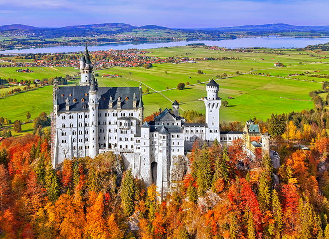 Замки осенью. Замок Нойшванштайн