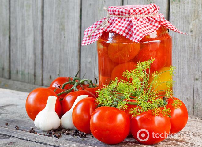 Засолка помидоров холодным способом в банке