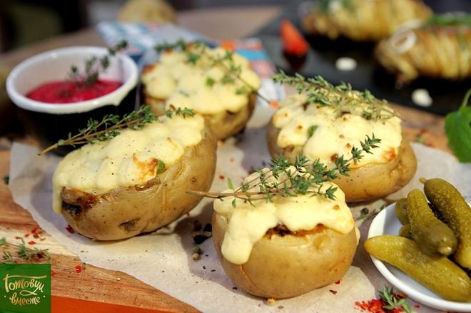 """Фаршированный картофель под """"шубой"""" из пюре"""