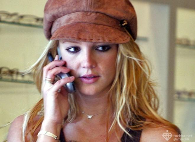 Брітні Спірс заборонили користуватися телефоном