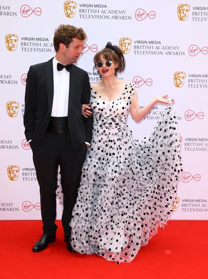 Рай Холмбо та Хелена Бонем-Картер на BAFTA TV Awards 2021
