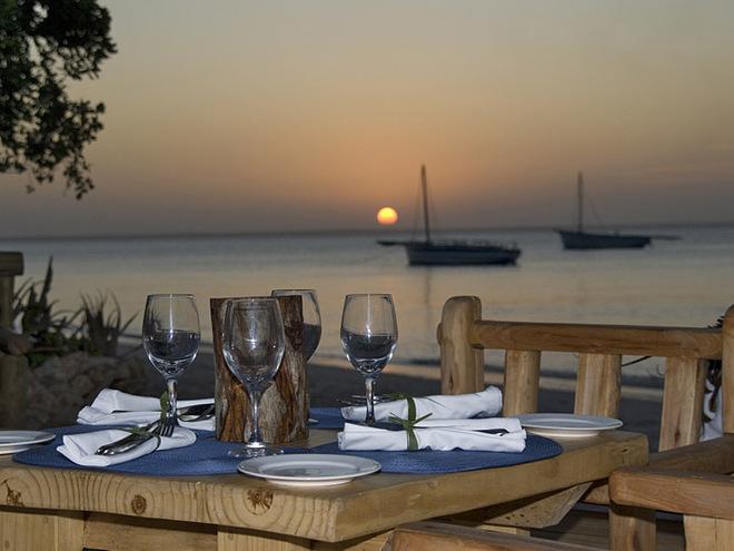 Найромантичніші готелі: Azura Retreats