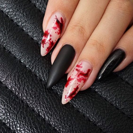 Вампирский маникюр на Хэллоуин 2018