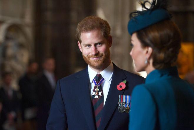 Принц Гарри появился на публике с Кейт Миддлтон вместо беременной Меган Маркл