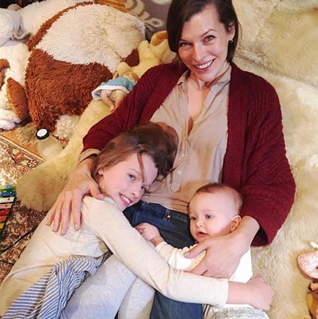 Мила Йовович и дети