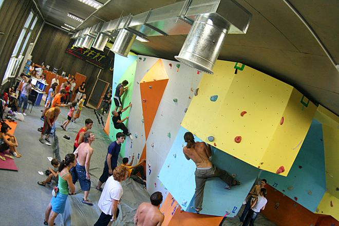Скелелазіння в Україну: Скелелазний центр «Джива»