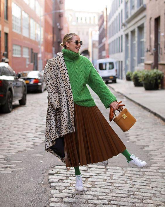 Как носить плиссированную юбку