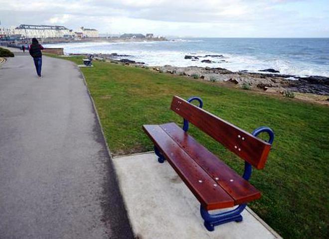 Всё  для туристов: в Уэльсе установили скамейку для селфи