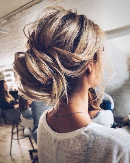 Догляд за освітленим волоссям