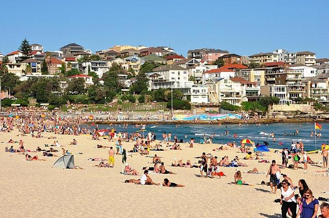 Топ-5 лучших городских пляжей в мире: Бонди пляж, Сидней, Австралия