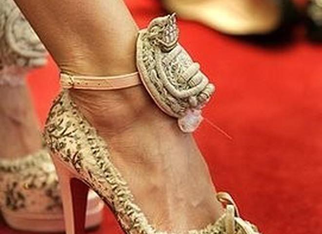 «Королівські» туфлі від гламурного француза