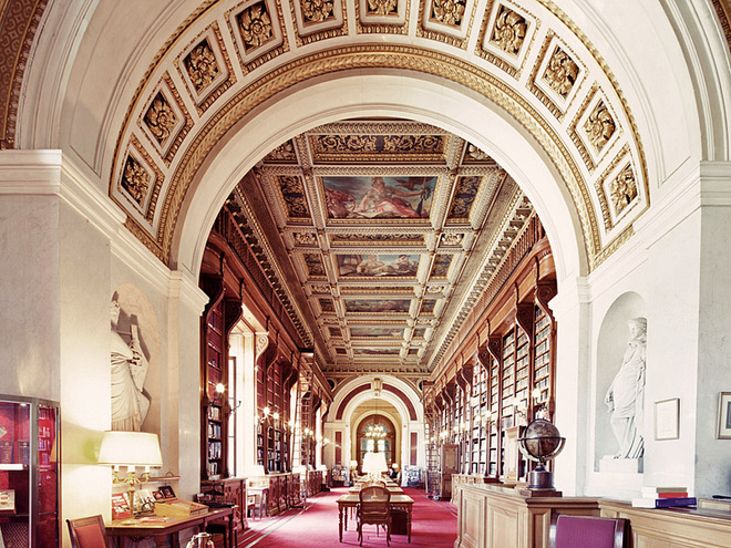 Самые красивые старинные библиотеки в объективе Фрэнка Бобота