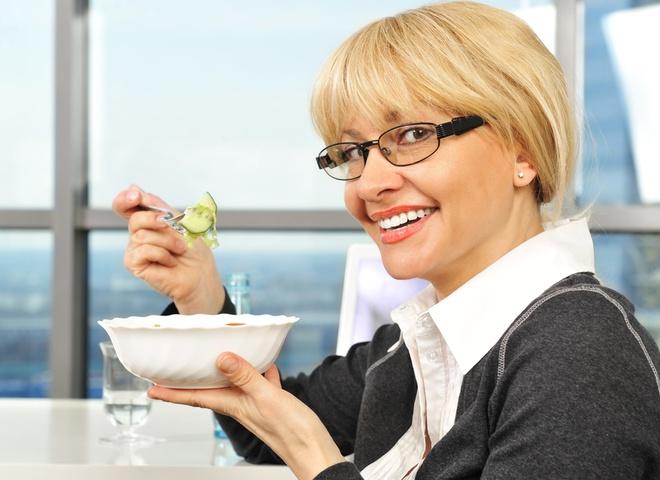 Как похудеть в офисе? забыть про сладости и выпечку